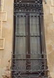 großes Fenster, von Stangen stockbilder