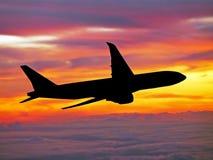 Großes Flugzeugkreuzen Lizenzfreies Stockbild