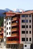 Großes Haus im Berg lizenzfreie stockbilder