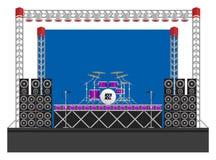 Großes Konzert-Stadium mit Sprechern und Trommeln Lizenzfreie Stockfotografie