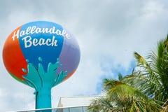 Großes kreisförmiges Retro- farbiges Zeichen Hallandale-Strand-Miamis Lizenzfreie Stockbilder