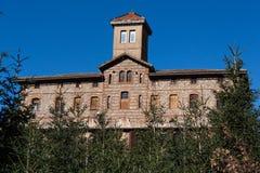 Großes Land-katalanisch-Haus Stockfotografie