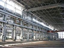 Großes leeres Industriegebäude Stockfotos
