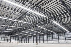 Großes modernes leeres Lagerhaus Stockfotografie