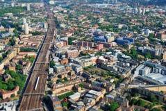 Großes modernes Stadtzentrum angesehen von oben lizenzfreies stockbild