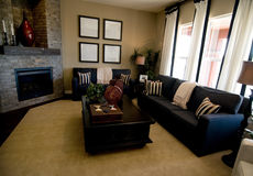 Großes modernes Wohnzimmer lizenzfreies stockbild