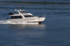 Großes Motorboot Lizenzfreie Stockbilder