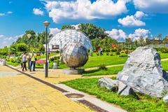 Großes Nowosibirsk-Planetarium Parklandplanetariums-Öffentlichkeit acces Stockfotos