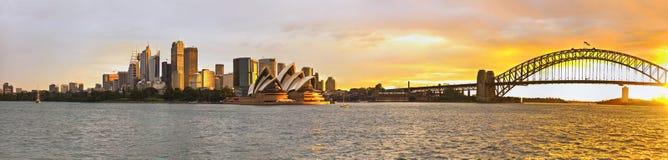 Großes Panorama des Sydney-Hafens Stockbild