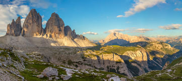Großes Panorama von berühmtem Tre Cime di Lavaredo, Dolomit-Alpen, Ita Stockfotos