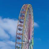 Großes Rad an einem Spaßpark Lizenzfreies Stockfoto