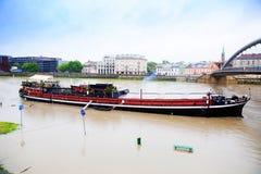 Großes Wasser auf der Weichsel in Krakau stockbild