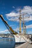 Großes weißes Schiff in Montenegro in Tivat Stockfoto