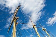 Großes weißes Schiff in Montenegro in Tivat Stockbilder