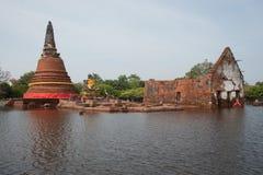 Großfluten am Ayuttaya Tempel in Thailand. Lizenzfreies Stockfoto