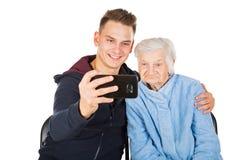 Großmutter und Enkel Stockfotos