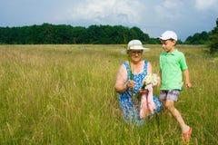 Großmutter und Enkel Lizenzfreie Stockbilder