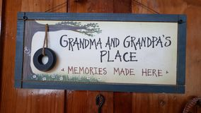 Großmutter und grandpa& x27; s-Platz Stockbild