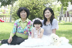 Großmutter und Töchter lizenzfreies stockbild