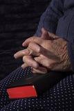 Großmutterbeten Lizenzfreie Stockfotos