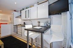 Großraumküche stockfotografie