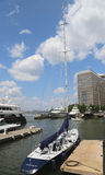 Großsegler koppelte am Nordbucht-Jachthafen am Batterie-Park in Manhattan an Lizenzfreie Stockfotografie