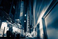 Großstadt-Gasse nachts stockfotos
