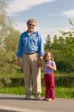Großvater und Enkelin lizenzfreies stockfoto