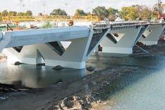 Große Brücke im Bau stockfotos