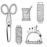 Großer Satz nähende Versorgungen gemacht von den cissors, Faden, Nadeln, Nadelkästen, Knöpfe lizenzfreie abbildung