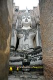 Gro?e Statue von Buddha im Sri-Kumpel-Tempel ist eine historische St?tte im historischen Park Sukhothai stockbilder