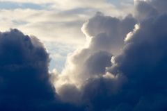 Groźne cumulus chmury Obraz Royalty Free