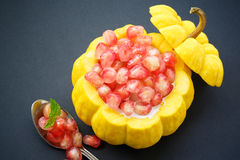 Grob de Tim de baquet, un dessert de style de la Thaïlande Photo stock