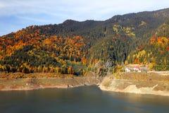 Grobelny jezioro w Karpackich górach Fotografia Royalty Free