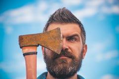 Grober kaukasischer Hippie mit dem Schnurrbart Bärtiger grober Mann Mann mit Bart Reifer Hippie mit Bart Grobes bärtiges lizenzfreie stockbilder