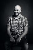 Grober lächelnder Mann Lizenzfreies Stockfoto