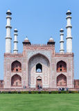 Grobowiec Akbar z swój cztery minaretami w India Agra. Zdjęcie Royalty Free