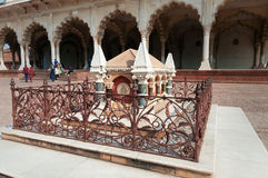 Grobowiec John Russell Colvin wśrodku Czerwonego Agra fortu Zdjęcie Royalty Free