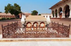 Grobowiec John Russell Colvin wśrodku Czerwonego Agra fortu Obrazy Stock