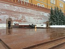 Grobowiec niewiadomy żołnierz w Aleksander ` s ogródzie, Kremlin, Moskwa fotografia royalty free