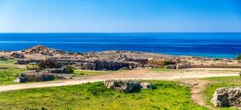 Grobowowie królewiątka, necropolis w Paphos fotografia stock