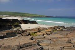 Grobust strand på Westray, Orkney öar, Skottland Royaltyfria Bilder
