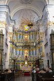 GRODNO, WEISSRUSSLAND - 2. SEPTEMBER 2012: Innenraum mit dem Altar Lizenzfreie Stockfotografie