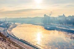 Grodno, Wit-Rusland De zon dacht in de rivier Neman na Royalty-vrije Stock Afbeeldingen