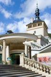 Grodowa kolumnada w zdroju grodzki Karlovy Zmienia, Zachodnia cyganeria, republika czech obraz stock
