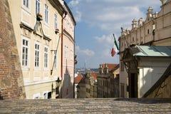 grodowi spojrzenia Prague schodki Obraz Stock