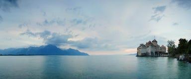 grodowy chillon Switzerland Montreaux, Jeziorny Geneve, jeden odwiedzony kasztel w szwajcarze, przyciąga więcej niż 300.000 gości obrazy stock