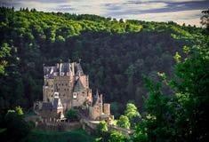 Grodowy Eltz zmierzchem zdjęcie royalty free
