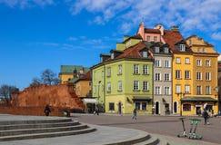 Grodowy kwadrat i historyczni budynki w Starym miasteczku Warszawa, Polska zdjęcia stock