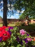Grodowy ogród Górska chata De Los Angeles Pierre Roszujący los angeles Mały Pierre w ładnym lato czasie z Vosges Du Nord Na, woko Fotografia Stock